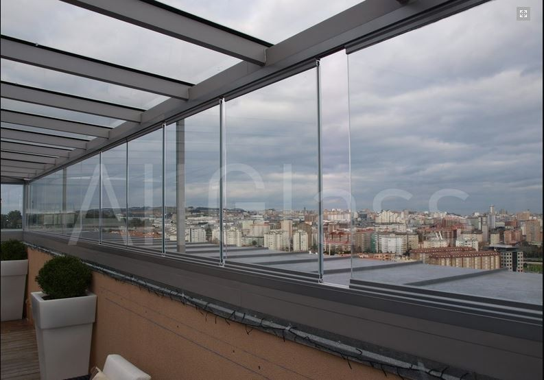 Mobil üvegfalas erkélybeépítés