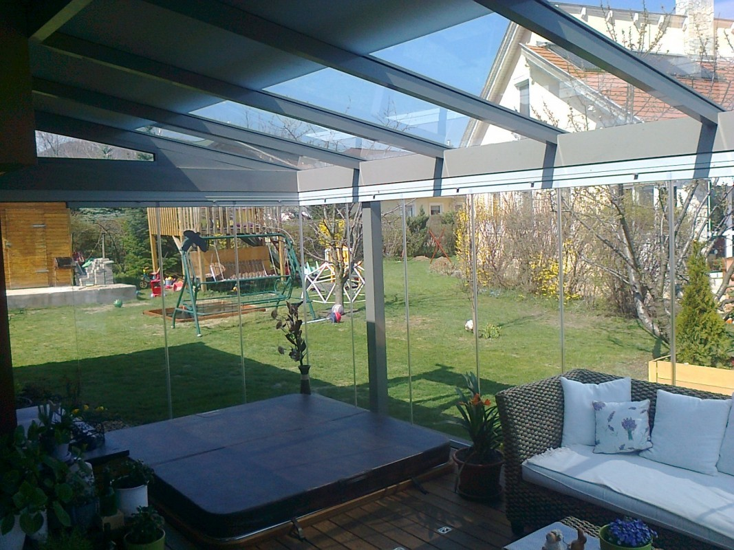 Terrasseneinbau mit mobiler Glaswand K2 Télikert