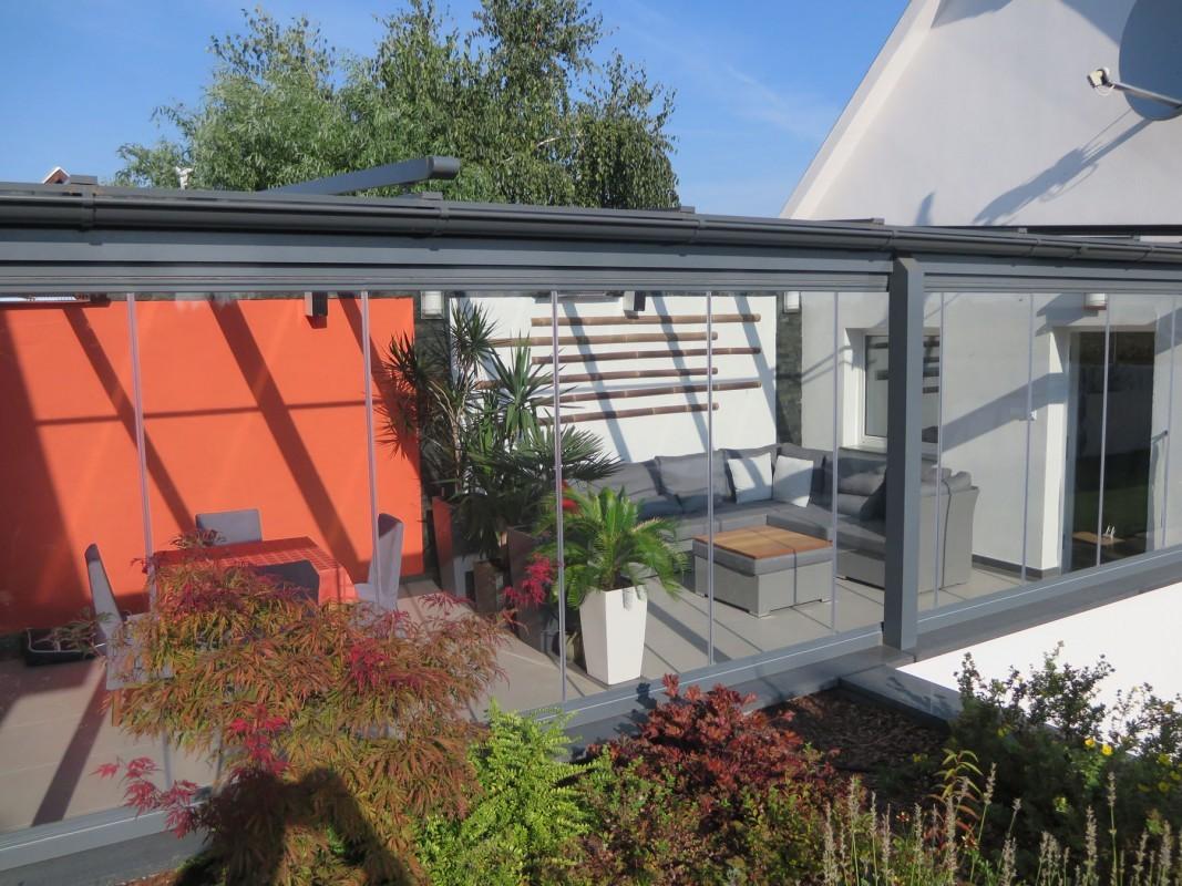 Mobiler Wintergarten terrasseneinbau mit mobiler glaswand k2 télikert